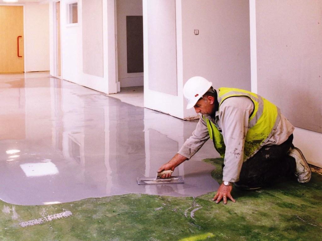 Mezclas de construcción para nivelación de pisos