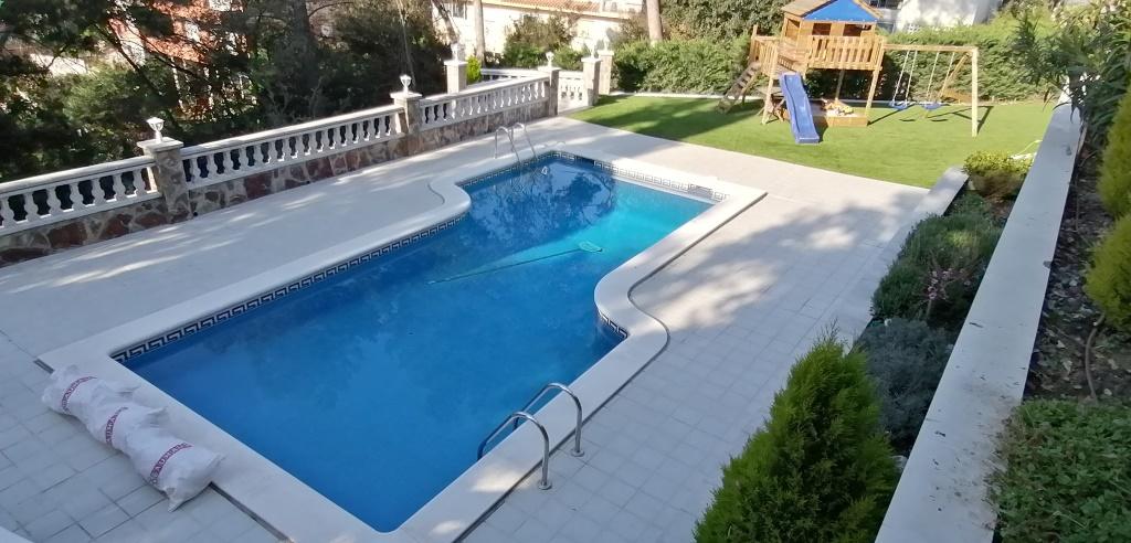 Construcción e instalación de una piscina de invierno en Barcelona